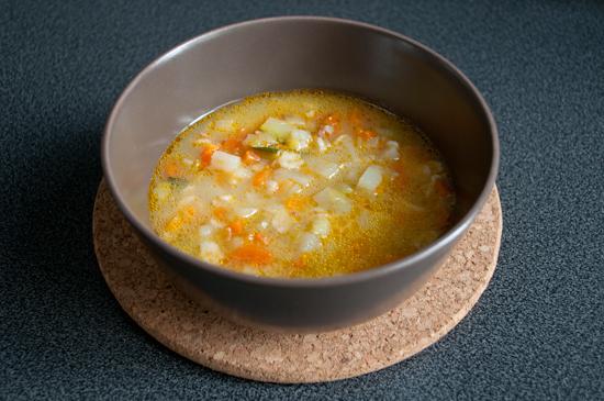Sopa de verduras y avena