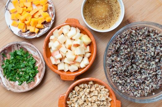 Ensalada de Quinoa Manzana Cheddar y Nueces (2)