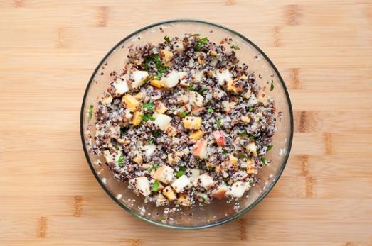 Ensalada de Quinoa Manzana Cheddar y Nueces (3)
