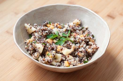Ensalada de Quinoa Manzana Cheddar y Nueces (5)