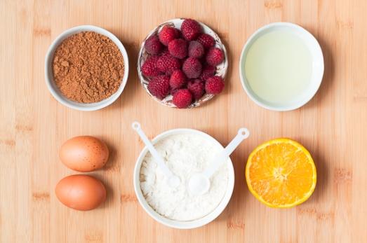 Ingredientes para hacer bizcochitos de frambuesa